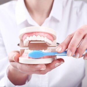 Best dental clinic in Mahanagar